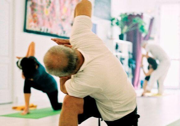 Yoga en Las Palmas Clase 3 Om Yoga Las Palmas sin embargo