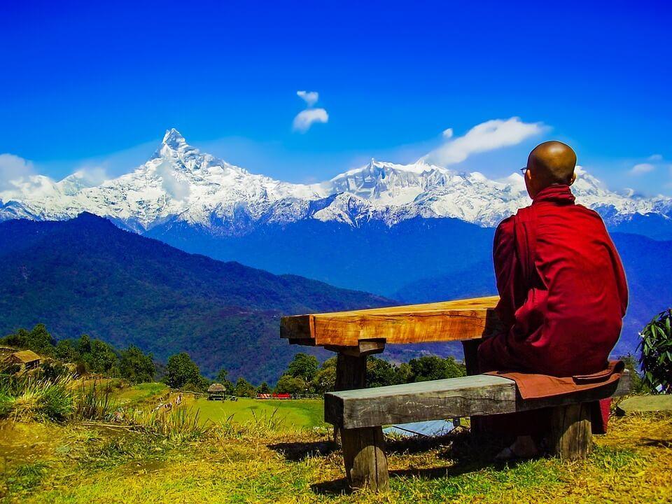 La Filosofía del Yoga en Tu Vida Cotidiana (Taller 1) Om Yoga Las Palmas